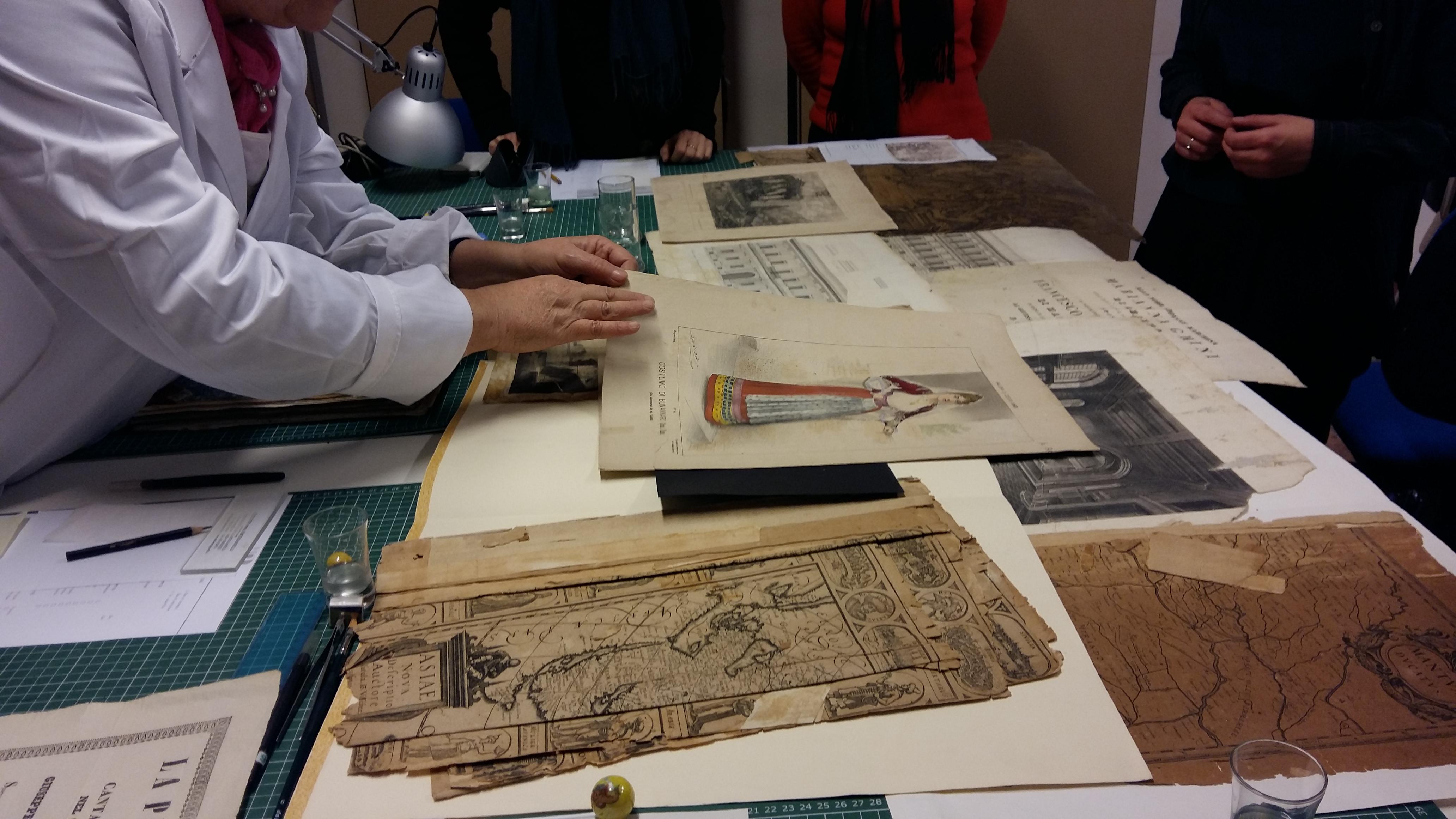 Corso di approccio al restauro conservativo di opere  su carta, stampe, disegni, libri antichi e d'epoca